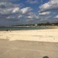 エメラルドビーチと備瀬のフクギ並木をお散歩 子供は貝殻拾いに夢中